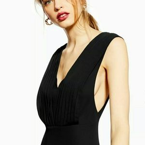 Dresses & Skirts - 🔥Topshop pleated pinafore MIDI dress black 6